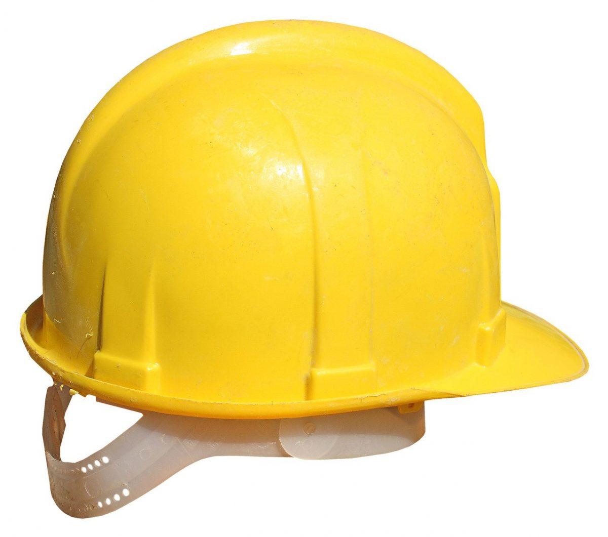 Kask ochrony – jeden z najważniejszych elementów ubioru BHP