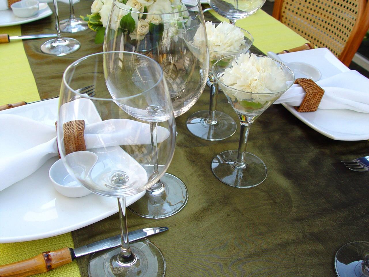 Stół w wielu domach jest jedynym z najważniejszych przedmiotów